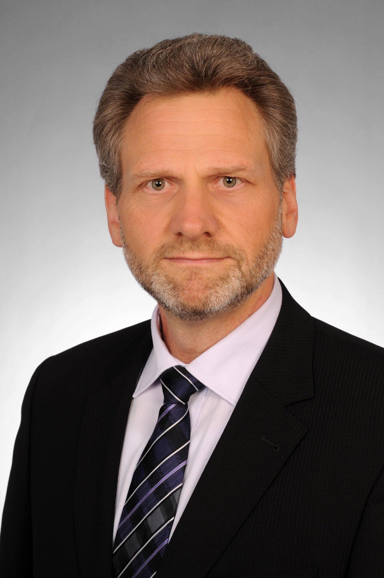 Bruce Nikkel